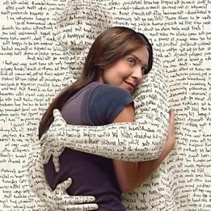 I Hug Back Online