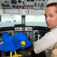 Pilot Tweeting from Airplan Copits