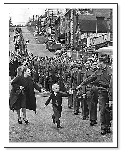 Wait for me Daddy by Claude P Dettloff, Oct 1, 1940