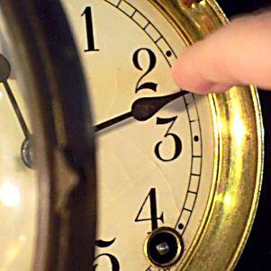 Resetting Clock on Daylight Saving Day