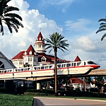 Grand-Floridian-Resort-Monorail
