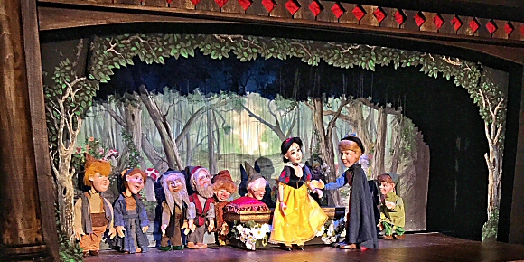 Snow White at Geppettos Marionette Theater in the Hilton Anatole Hotel Dallas