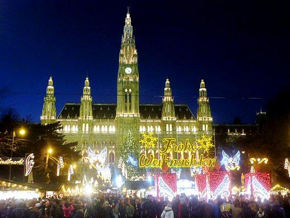 Wiener Christkindlmarkt am Rathausplatz
